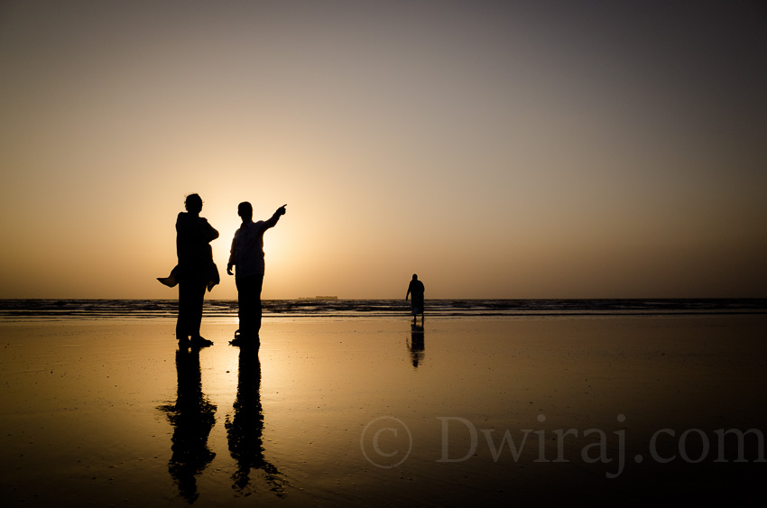 best-indian-photography-streets-top-10-beach-mumbai-life-sunset-moods-males-